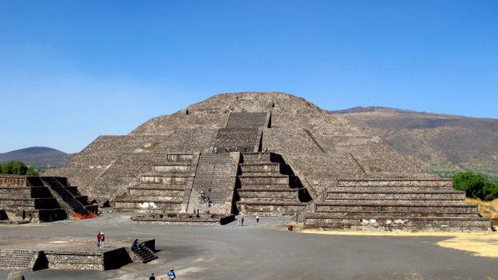 На руинах города ацтеков обнаружили остатки загадочной пирамиды