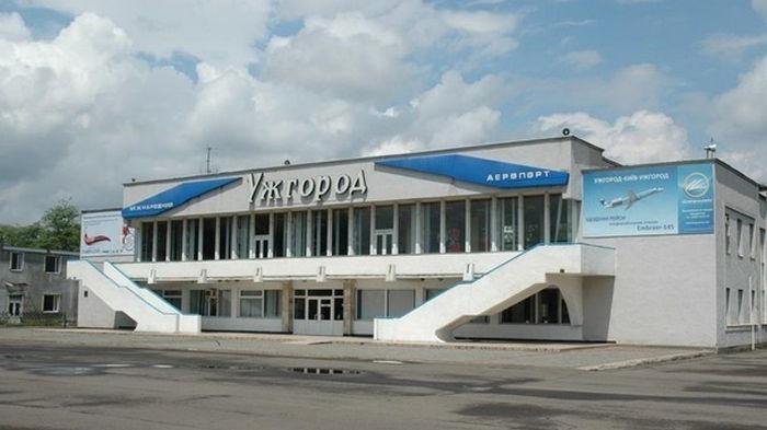 Аэропорт Ужгорода возобновляет работу
