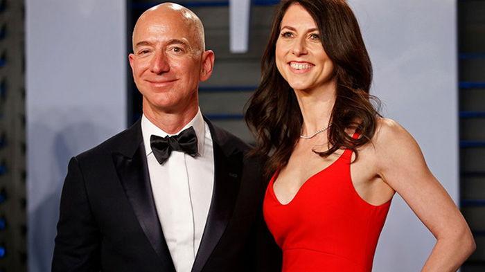 Бывшая жена основателя Amazon отдала на благотворительность $2,7 млрд