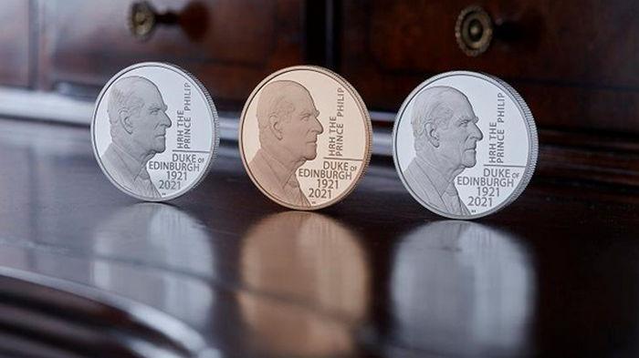 Британия выпустила памятную монету в честь принца Филиппа