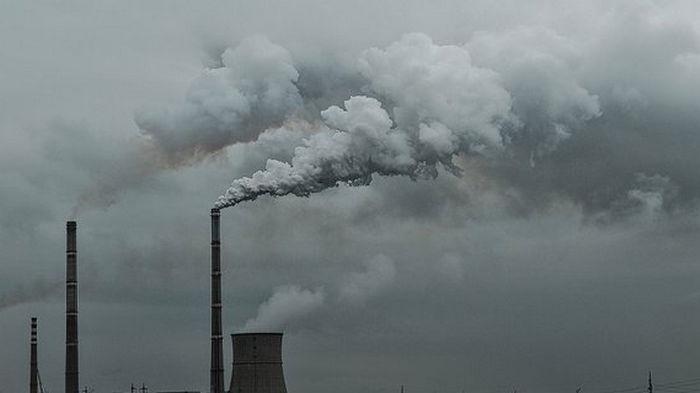 В Евросоюзе решили вполовину снизить уровень выбросов СО2 до конца десятилетия
