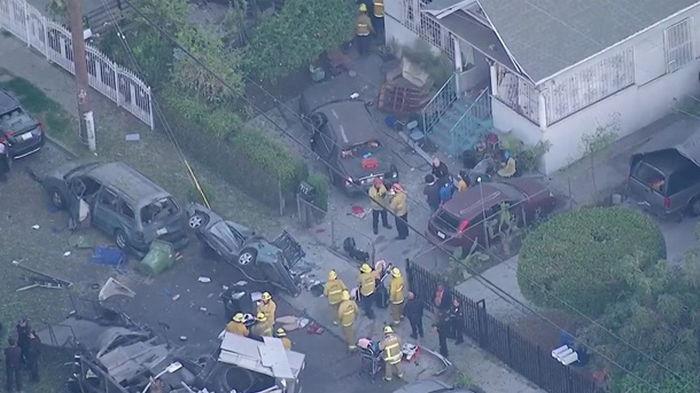 В Лос-Анджелесе взорвался грузовик саперов, есть пострадавшие (видео)