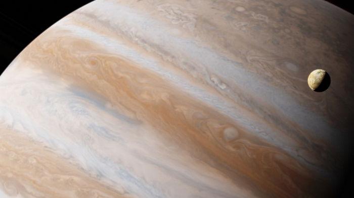 Hubble обнаружил водяной пар на спутнике Юпитера