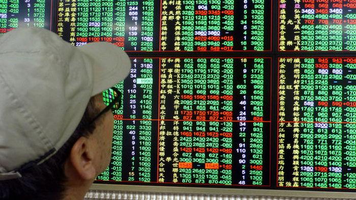Акции китайских компаний, работающих в сфере технологий и образования рухнули в Гонконге
