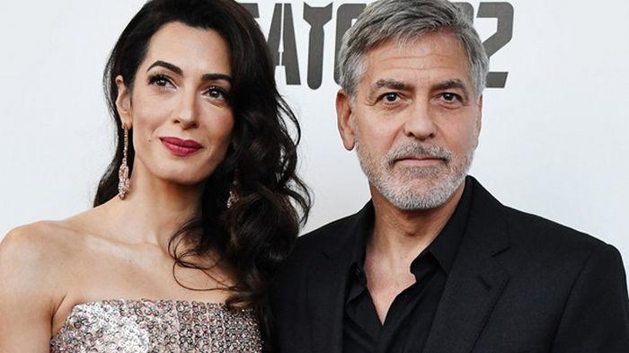 Жена Джорджа Клуни вновь беременна близнецами – СМИ