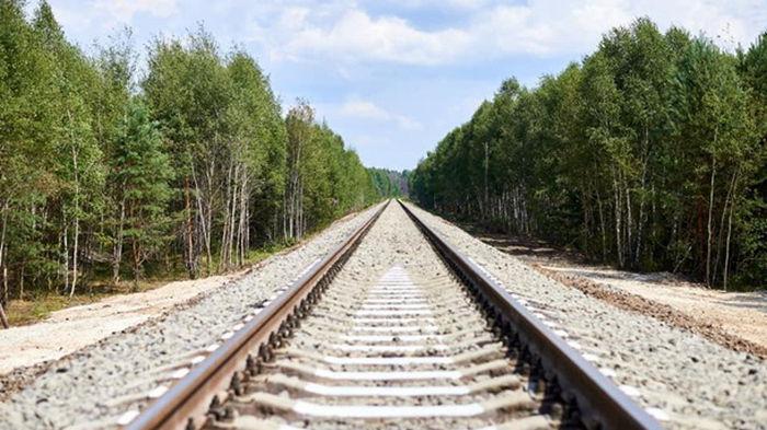 Железнодорожники реконструировали пути в зоне отчуждения