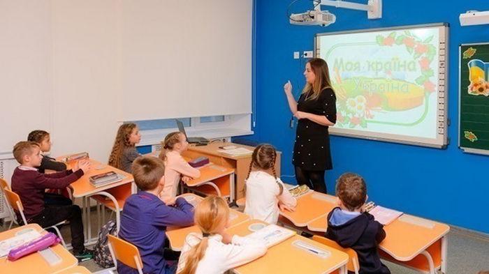 Непривитые учителя имеют право работать в школах - омбудсмен