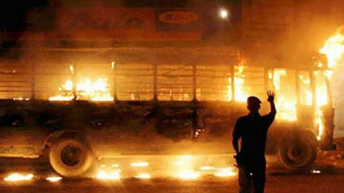 При взрыве газового баллона в ДТП в Пакистане погибли 10 человек