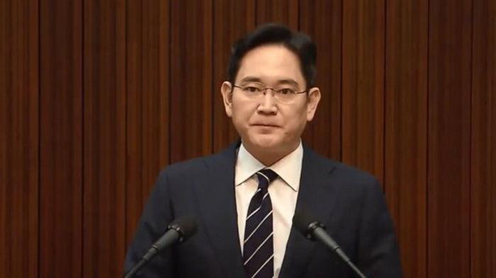 Главу Samsung досрочно освободят из тюрьмы