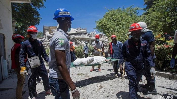 Число жертв землетрясения на Гаити увеличилось в три раза