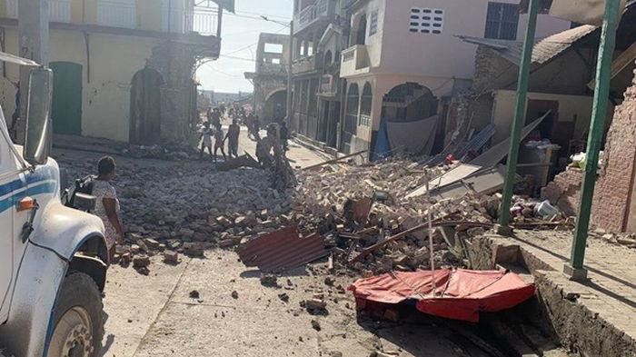 У Гаити произошло землетрясение, есть жертвы