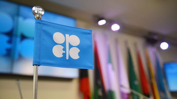 Страны ОПЕК увеличили добычу нефти по итогам июля