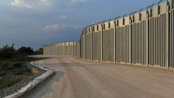Греция построила 40-километровый забор с Турцией