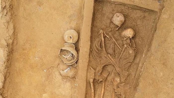 В Китае нашли останки влюбленной пары, которой полторы тысячи лет (фото)