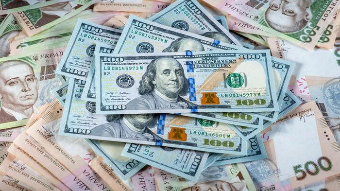Курсы валют на 27 августа: гривна ускорила падение