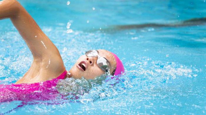 Ученые признали плавание полезной нагрузкой для мозга и памяти