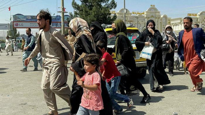 США решили выплатить деньги каждому беженцу из Афганистана