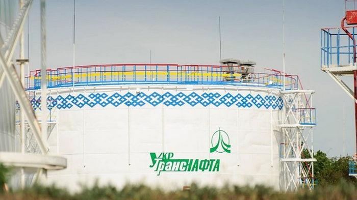 В Украину впервые завезли британскую нефть