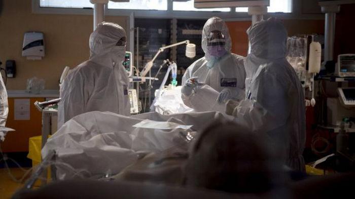 Вирусолог рассказал, кто наиболее уязвим перед штаммом Дельта