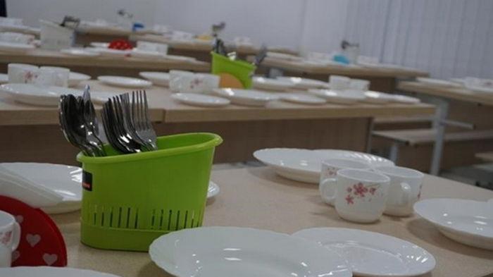 В Хмельницком закрыли школу из-за отравления детей