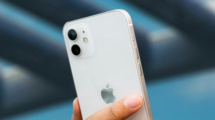 Цены на iPhone 12 снизили на сотни долларов перед выходом iPhone 13