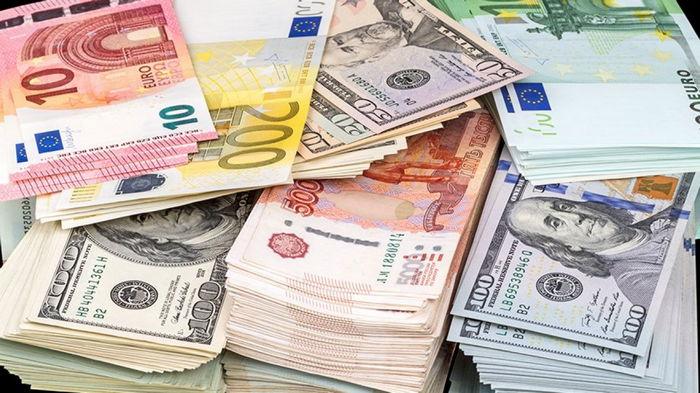 Курс валют на 17 сентября: доллар дорожает, евро дешевеет