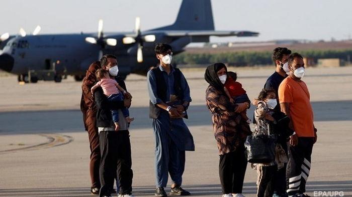 В Афганистане массово торгуют поддельными визами