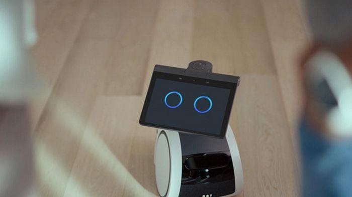 Amazon выпустила первого робота для дома Astro (видео)