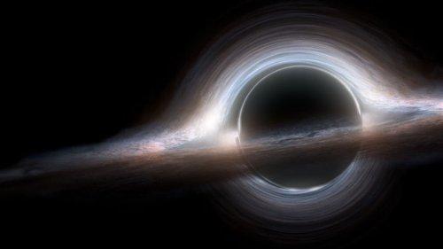 Падение газового облака в сторону сверхмассивной черной дыры в центре Млечного Пути (видео)