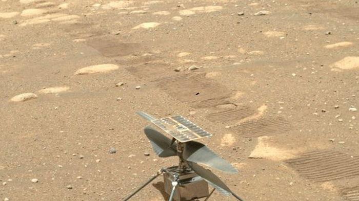 Крошечный ровер Perseverance с орбиты Марса: NASA показало фото