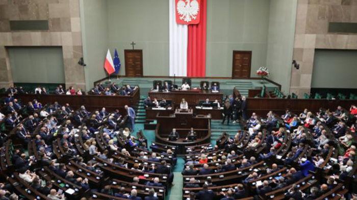 Нелегалы на границе с Беларусью. Польша продлила чрезвычайное положение на два месяца