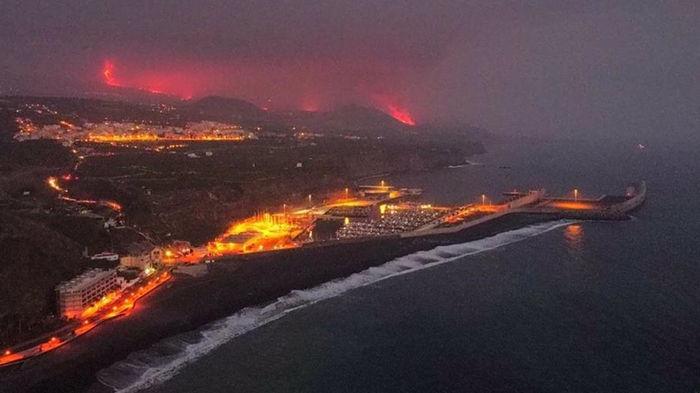 Вулкан на Ла-Пальме создал новое место на Земле