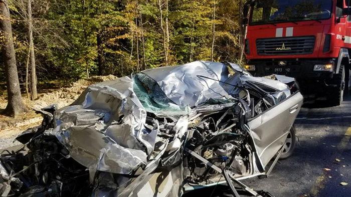 Под Хмельницким масштабное ДТП с двумя фурами, есть пострадавшие (фото)