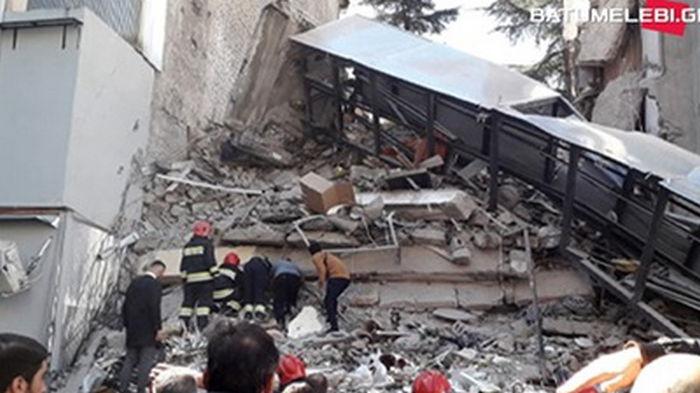 Обрушение дома в Батуми: под завалами до 15 человек