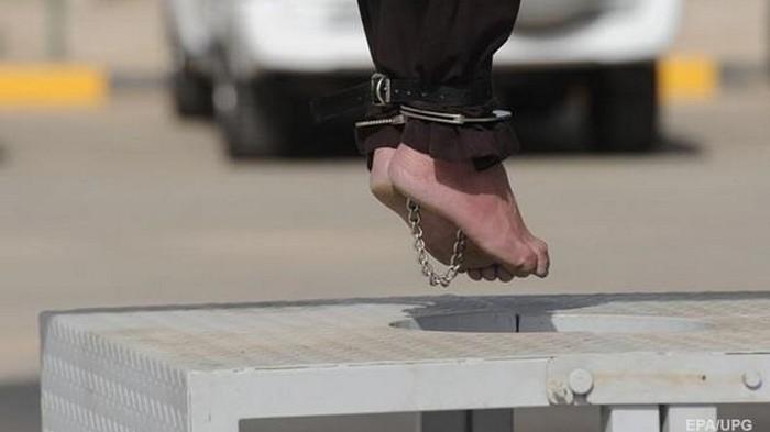 Суд приговорил к смертной казни 16 человек за сожжение студентки заживо